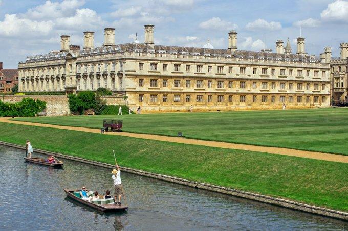 Cambridge University, River