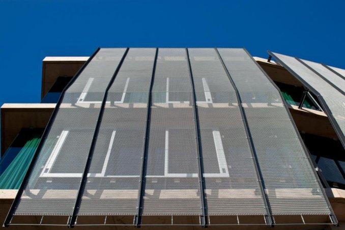 Wire solar shading mesh